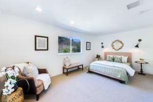 014 - Master Bedroom