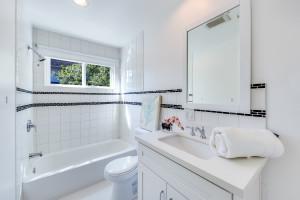 019 - Bathroom 3
