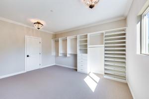 036 - Master closet