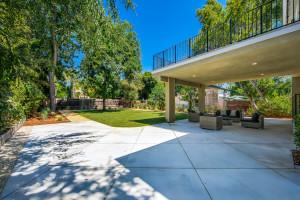 029 - Side driveway